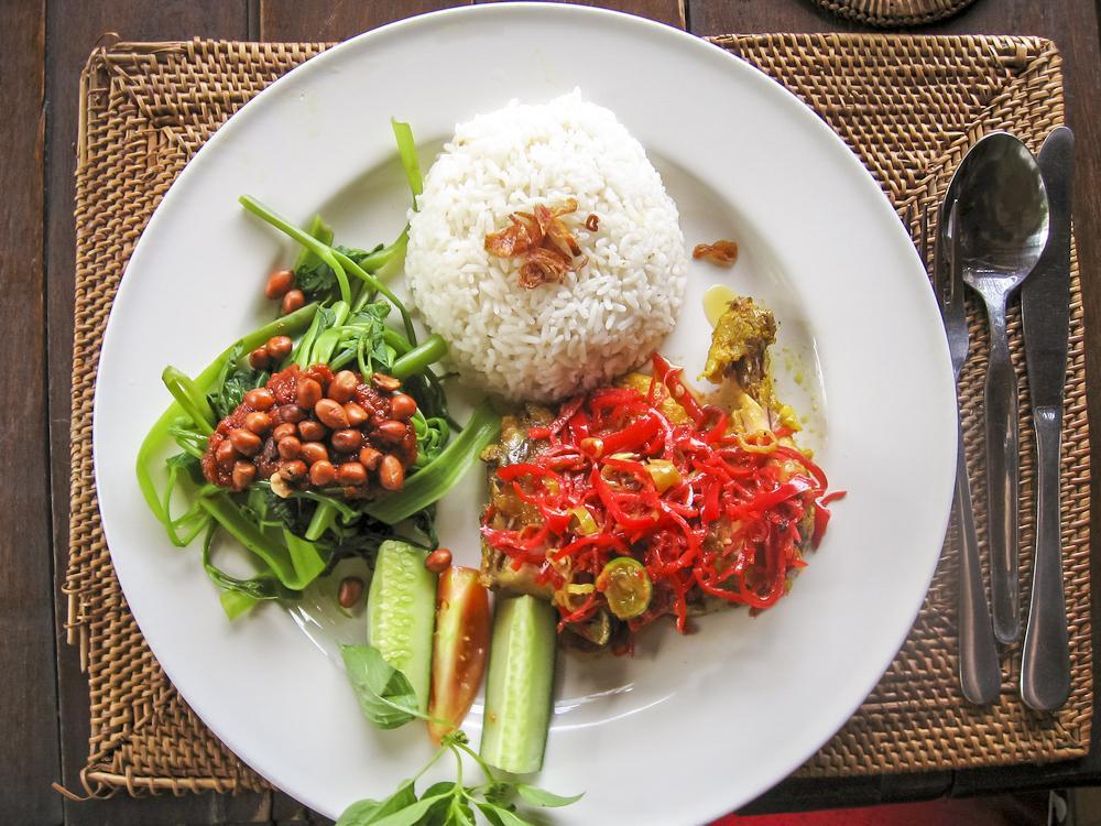Cours De Cuisine Balinaise Et Visite Du Marché Local Villa Bossi - Cuisine balinaise