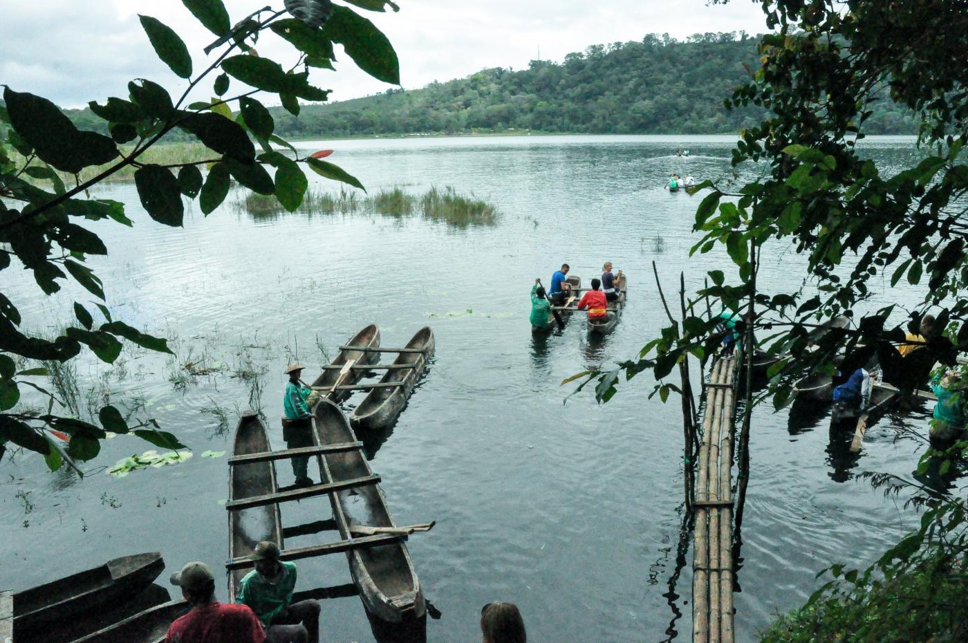 jungle trek autour du lake tamblingan villa bossi bali. Black Bedroom Furniture Sets. Home Design Ideas